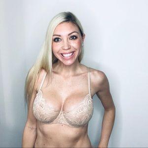 Victoria's Secret // Very Sexy Lace Bra